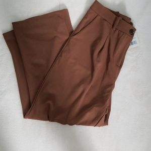 NWT Camel brown stretchy cropped trousers